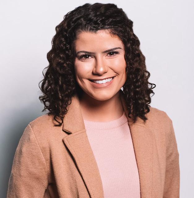 Headshot of Vivian Moussa